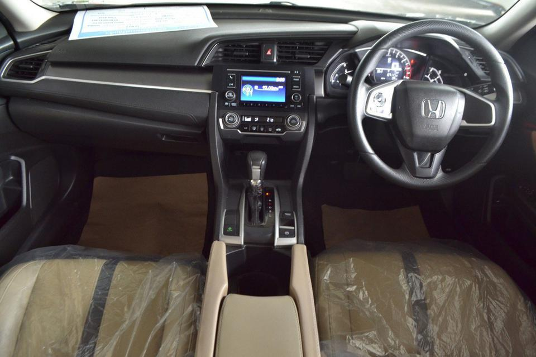 Honda Civic FC 1.8 E AT สีเทา เกียร์อัตโนมัติ ปี 2016 รูปที่ 6