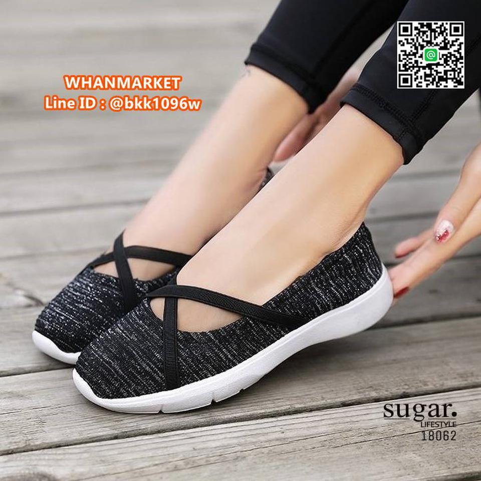 รองเท้าผ้าใบลำลอง ทำจากผ้าใบยืดหยุ่นได้ดี มีสายยางยืดรัดหน้า รูปที่ 1