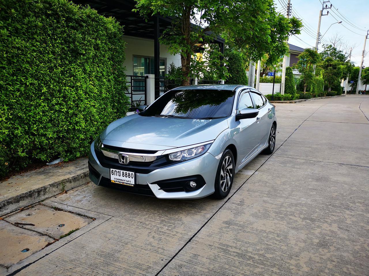 ขายรถ ฟรีดาวน์ Honda Civic รุ่นท๊อปสุด 1.8 EL ปี 2017 ไมล์แท้ เข้าศูนย์ตลอด มือเดียวจากป้ายแดง รูปที่ 1