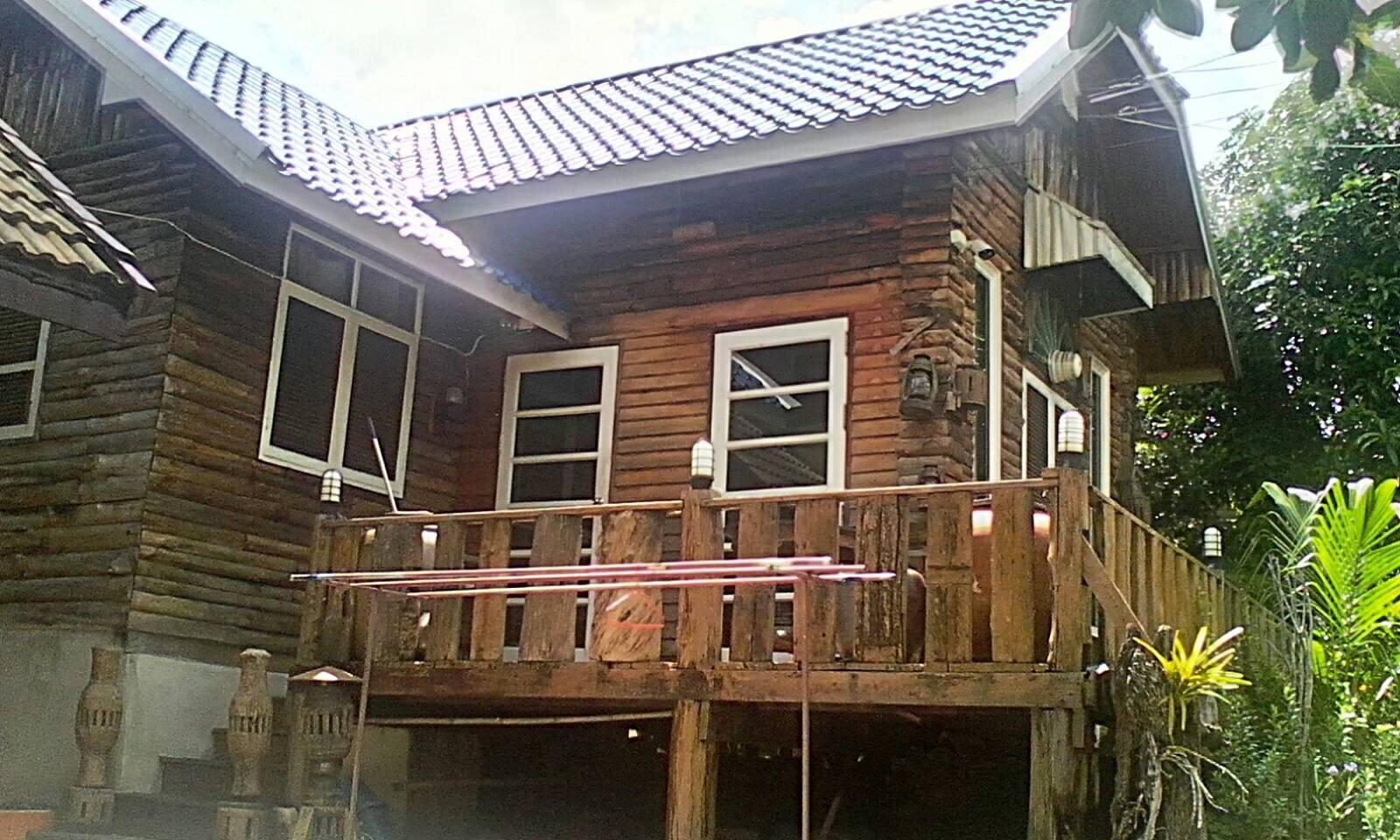 ขายบ้าน 2 หลัง ในที่ดิน 100 ตรว. (ติดตลาดนนทบุรี) 089-844-8404 รูปที่ 1