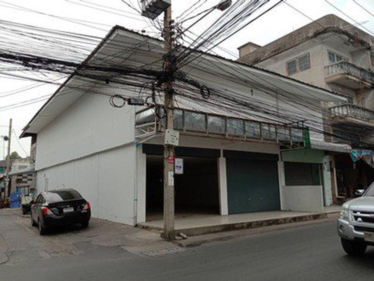ให้เช่าอาคารพาณิชย์ 4 คูหา  2 ชั้น ถนนพหลโยธิน54/1 รูปที่ 1