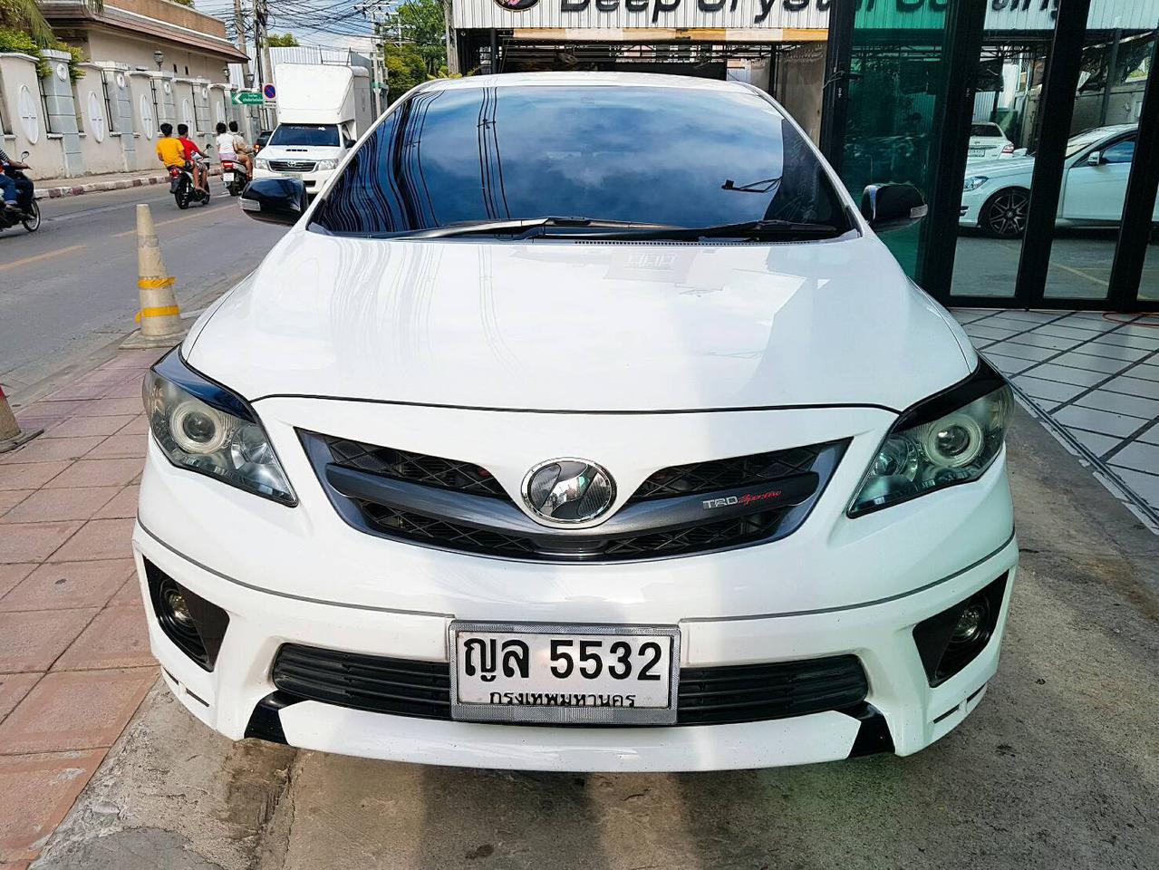 TOYOTA ALTIS SPORTIVO TRD 1.8 รถปี 2011 สีขาว รถบ้าน สวยมากครับ  รูปที่ 1