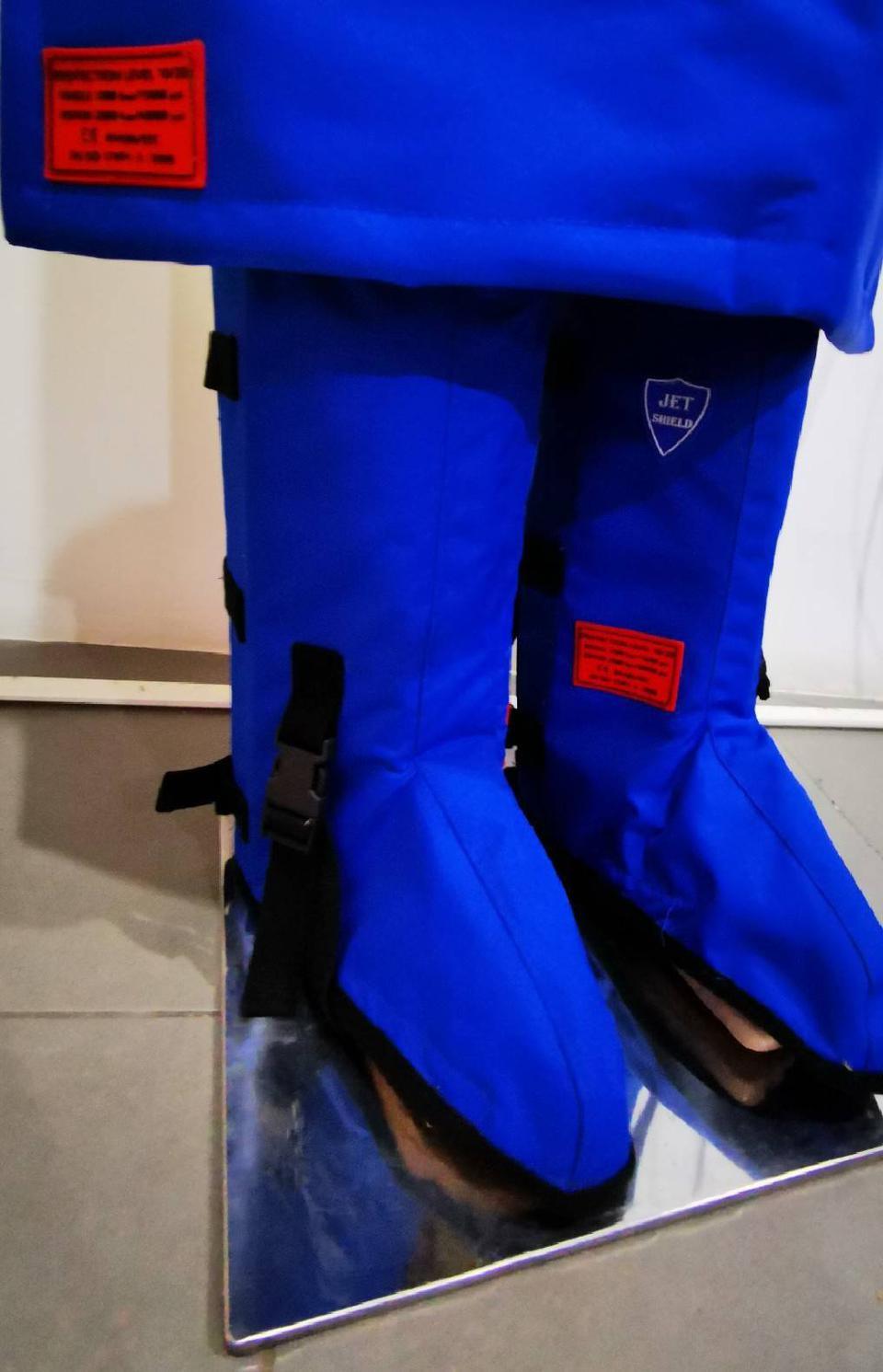 ชุดเกราะป้องกันน้ำแรงดันสูง  รูปที่ 2