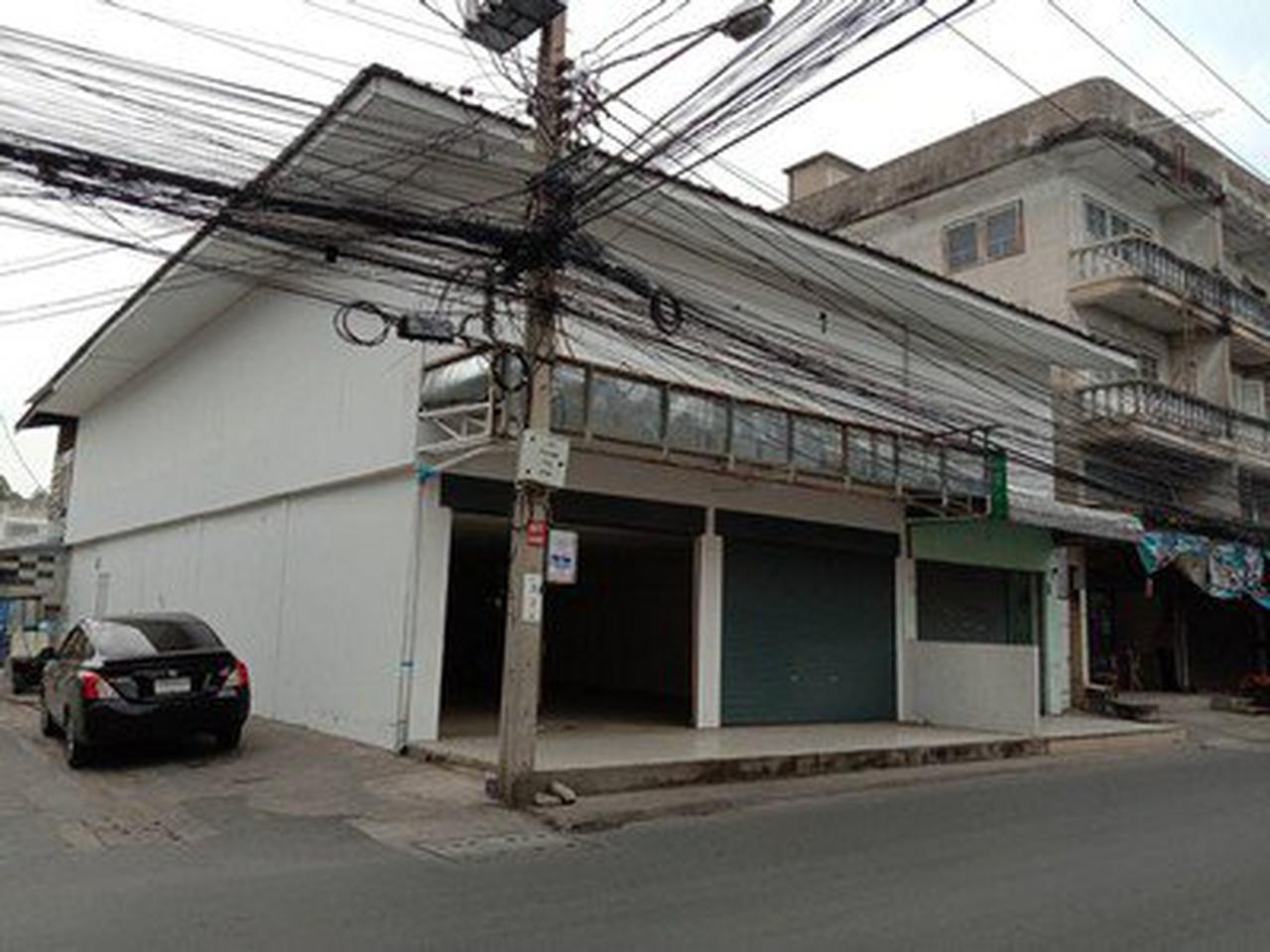 ให้เช่าอาคารพาณิชย์ 4 คูหา  2 ชั้น ถนนพหลโยธิน54/1 รูปที่ 3
