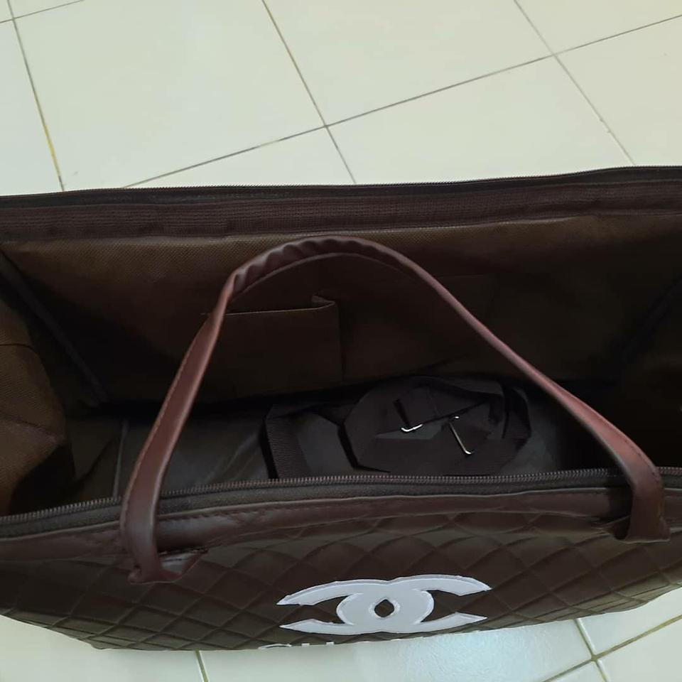 ขายกระเป๋าเดินทางแบบสพายได้ งานดี สวย รูปที่ 1