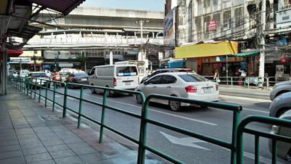 Rent small space area40sqm.  for trade and business Udomsuk  space 1st floor  for business need to renovation  รูปที่ 4