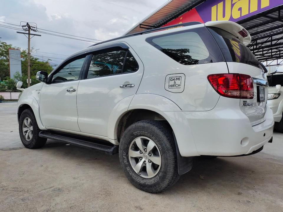 Toyota fortuner 3.0 4WD รูปที่ 2