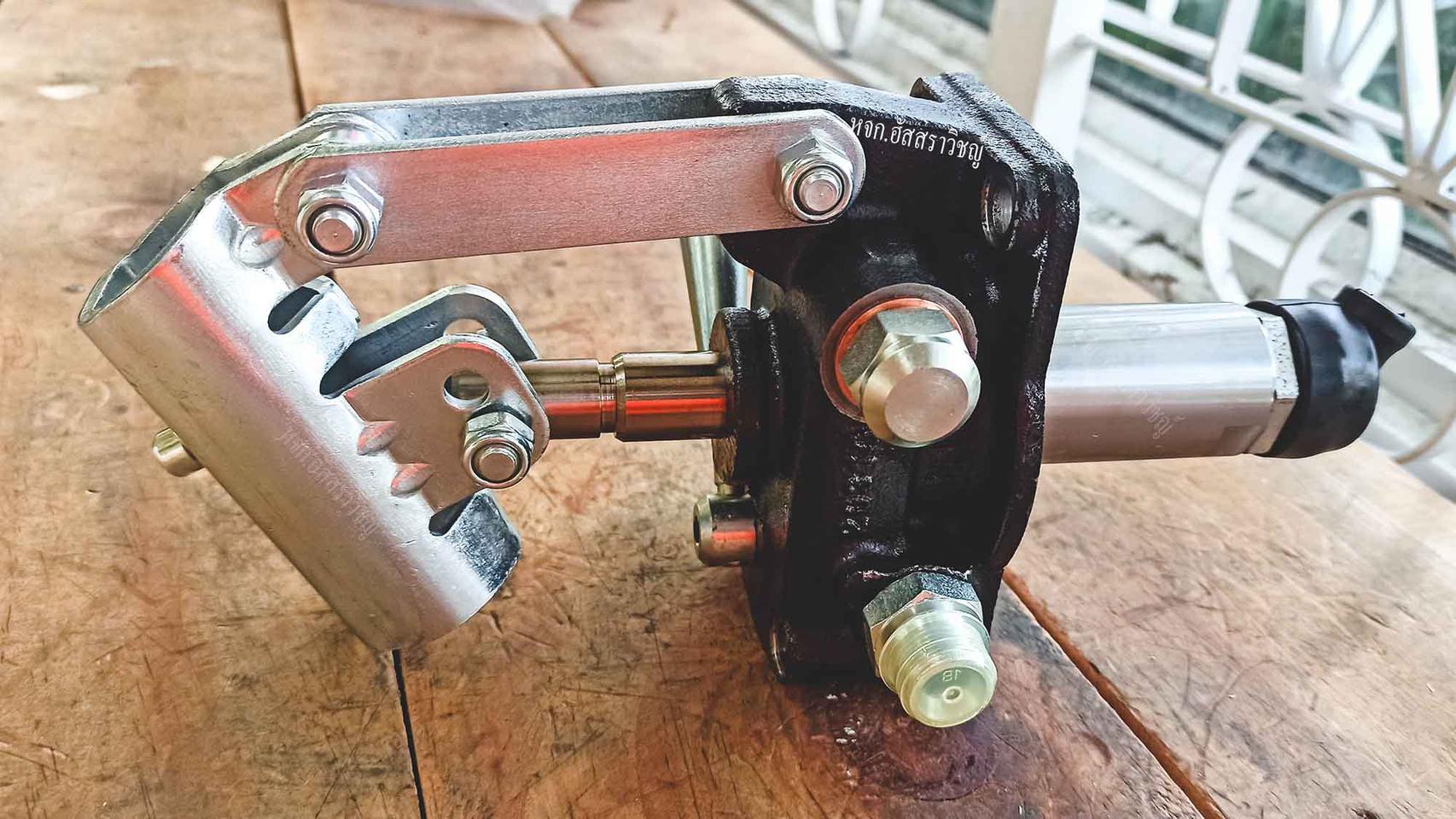 ปั้มมือโยกไฮดรอลิค แบบติดกับถังน้ำมัน (HAND PUMPS FOR TANK MOUNTING) ยี่ห้อ OLEO รุ่น PMI series รูปที่ 2