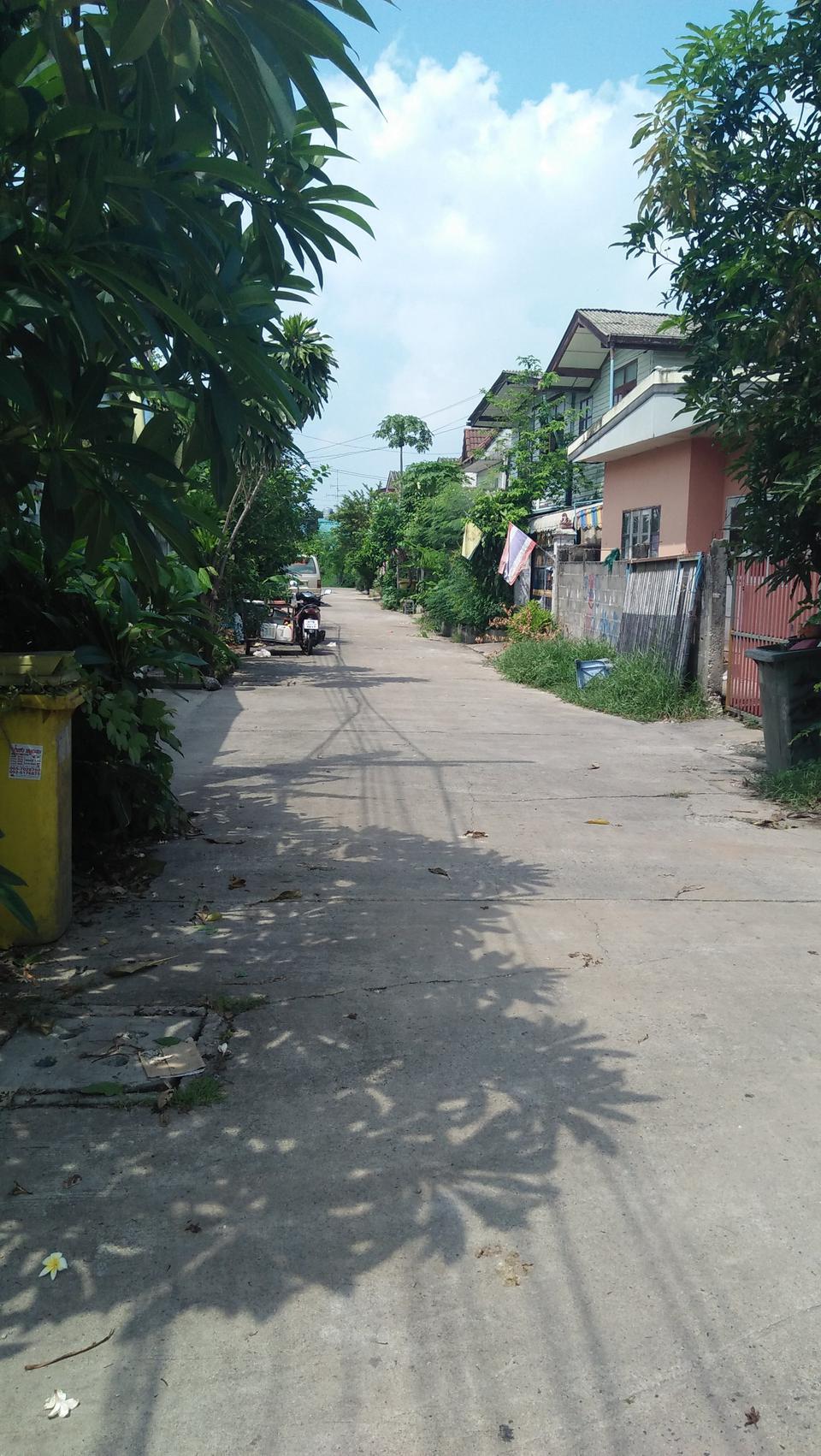 ขายบ้าน เนื้อที่ดิน 80 วา ย่าน หนามแดง-สำโรง ถนนเทพา รูปที่ 2