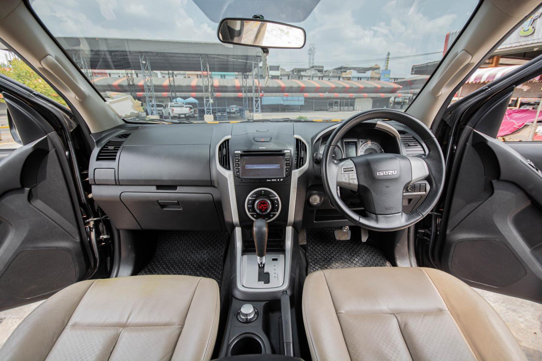 ปี 2016 Isuzu MU-X 3.0 4WD SUV 7 ที่นั่ง (DVD NAVI) ตัวTop รูปที่ 4