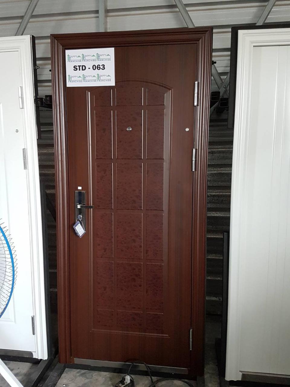 ประตูนิรภัย ประตูสำเร็จรูป ประตูบานเปิด รูปที่ 1