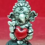 #คเณศน้อย รุ่นบันดาลรัก# #ครูบาชัยยาปัถพี # ~เนื้อสัมฤทธิ์ซาตินเงิน หัวใจแดง 350._