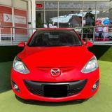 รถสวย Mazda สีแดง
