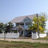 ขายบ้านเดี่ยว 2 ชั้น บ้านแนวอิงลิชคันทรี่ สีพาสเทล ใกล้สี่แยกหลุยส์ วงแหวน 3