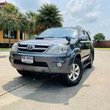 50 Toyota Fortuner 3.0 v 4WD ปี 2005 สีเทา