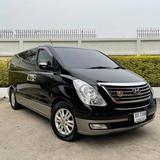 82 Hyundai H1 2.5 Deluxe 2012 สีดำ เครื่องดีเซล