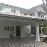 L159 ให้เช่า บ้านเดี่ยว 5 ห้องนอน 145 ตรว หมู่บ้านสัมมากร รามคำแหง 112 บ้านแต่งใหม่สวยพร้อมอยู่ (โทร: 0864246894 ลี )