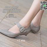 รองเท้าคัทชูหัวแหลม หน้าคัตV ขอบหยัก ส้นแบบหมุด สูง 1.5 นิ้ว