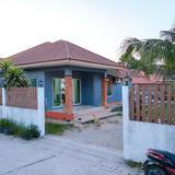 ขายบ้าน เนื้อที่  100 ตารางวา พื้นที่ใช้สอย 165 ตารางเมตร  3 ห้องนอน  2 ห้องน้ำ