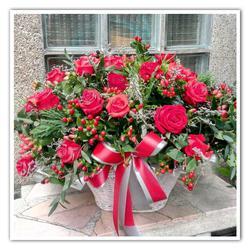 รับจัดดอกไม้สด ช่อ แจกัน กระเช้า พวงหรีด และจัดนอกสถานที่ รูปเล็กที่ 1