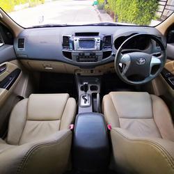 ขายรถมือสอง Fortuner 2.7 V (ปี 2013) สภาพสวยมาก เครื่องยนต์เบนซิน ใช้น้อยมาก ไมล์แท้  รูปเล็กที่ 4