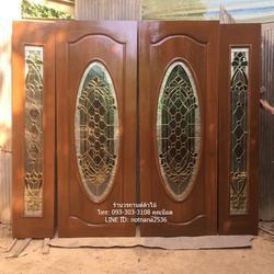 ประตูไม้สักบานเลื่อน ประตูไม้สักกระจกนิรภัย รูปเล็กที่ 1