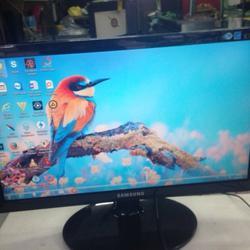 จอ SAMSUNG LCD 19 นิ้ว รูปเล็กที่ 1