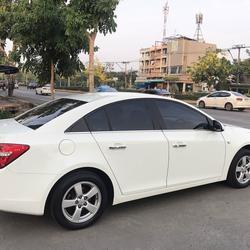 CHEVROLET CRUZE 1.8 LT auto ปี2011 สีขาว รถบ้านมือเดียวไม่มีชนสวยเดิม รูปเล็กที่ 3