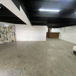 big  space area 293 sq.wah 1st floor of shop house only Main Road  Phraram 9 Road