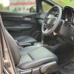 37 Honda New Jazz GK 1.5 RS (MNC) ปี 2019 สีขาว เกียร์ออโต้ รูปเล็กที่ 2