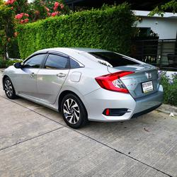 ขายรถ ฟรีดาวน์ Honda Civic รุ่นท๊อปสุด 1.8 EL ปี 2017 ไมล์แท้ เข้าศูนย์ตลอด มือเดียวจากป้ายแดง รูปเล็กที่ 2