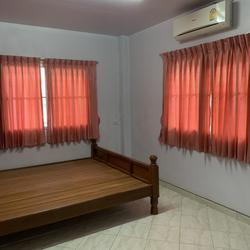 ให้เช่าบ้านเดี่ยว 2 ชั้นซอยนวลจันทร์ 4 ห้องนอน 2 ห้องน้ำ รูปเล็กที่ 4