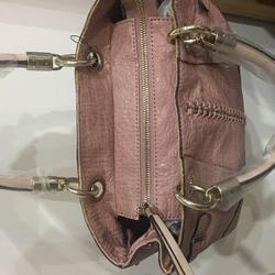 กระเป๋าสะพาย Guess รูปเล็กที่ 3