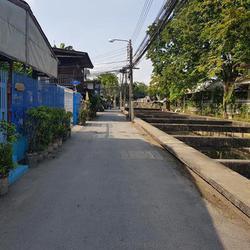 ขายที่ดินเปล่าถมแล้วในถนนสุขุมวิท กรุงเทพมหานคร รูปเล็กที่ 2