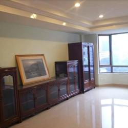 Royal Castle for Rent - 3 bed / 3 bath / 195 sqm  รูปเล็กที่ 1
