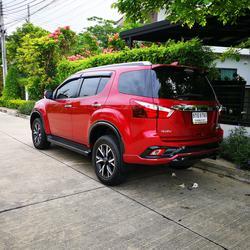 ขาย รถมือสอง Isuzu MU-X 3.0 THE ONYX ปี 2019 รุ่นแต่งพิเศษ สีแดง ภายในสีดำ ไมล์แท้ ราคาถูก รูปเล็กที่ 2