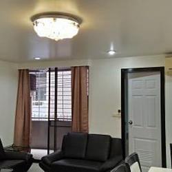 Condo 2 Room with Kitchen for rent Sukhumvit 15
