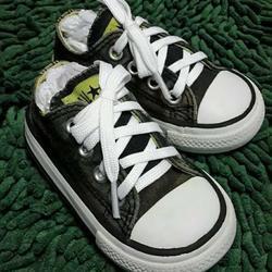 รองเท้าเด็ก. CONVERSE ของแท้มือสองจากนอกสภาพดี รูปเล็กที่ 1