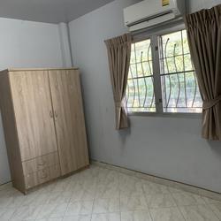 ให้เช่าบ้านเดี่ยว 2 ชั้นซอยนวลจันทร์ 4 ห้องนอน 2 ห้องน้ำ รูปเล็กที่ 3