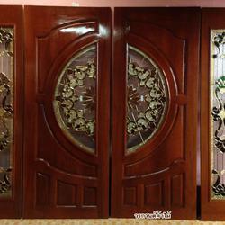 ร้านวรกานต์ค้าไม้ จำหน่าย ประตูไม้สัก กระจกนิรภัย,ประตูบานเลื่อนไม้สัก รูปเล็กที่ 3