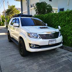 Toyota Fortuner 3.0 V (ปี 2015) SUV AT