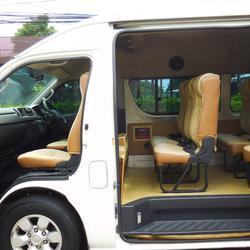 💥 TOYOTA COMMUTER 2.5 D4D 💥 โตโยต้า ปี 2011 กระจกไฟฟ้าเบาะหนังแต่ง VIP 5 แถวรถสวย รถตู้มือสอง แต่ง พร้อมใช้งาน รูปเล็กที่ 5
