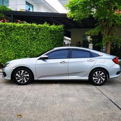 ขายรถ ฟรีดาวน์ Honda Civic รุ่นท๊อปสุด 1.8 EL ปี 2017 ไมล์แท้ เข้าศูนย์ตลอด มือเดียวจากป้ายแดง รูปเล็กที่ 3