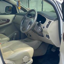 "Toyota Innova 2.0G ออฟชั่น ทีวี จอกลาง กล้องถอยหลังและเซ็นเซอร์ มาให้พร้อมใช้งานเลยครับ"" การเชื่อมต่อ Bluetooth  รูปเล็กที่ 5"