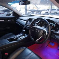 86 Honda Civic FC 1.8 EL Top 2018 Auto สีแดง รูปเล็กที่ 1