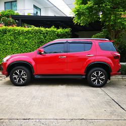 ขาย รถมือสอง Isuzu MU-X 3.0 THE ONYX ปี 2019 รุ่นแต่งพิเศษ สีแดง ภายในสีดำ ไมล์แท้ ราคาถูก รูปเล็กที่ 3