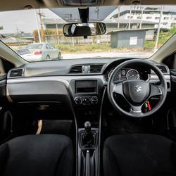 Suzuki Ciaz 1.2 2016(ปี 15-18) GA Sedan รูปเล็กที่ 5
