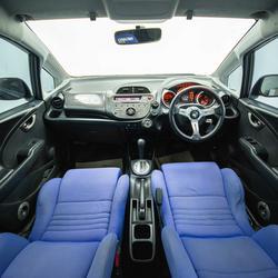 2009 Honda JAZZ V hatchback รูปเล็กที่ 2