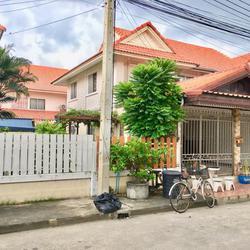 ขายด่วน บ้านแฝดสวยๆพื้นที่36 ตรว. กว้างๆ
