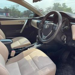 62 Toyota Altis 1.6 E (CNG) ปี 2014 สีขาว เกียร์ออโต้ รูปเล็กที่ 4